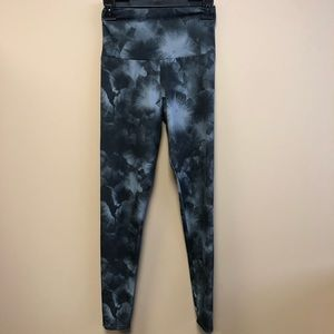 Onzie black gray print m high waist legging S/M